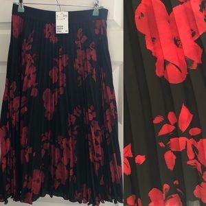 🆕 H&M Floral Print Pleated Midi Skirt